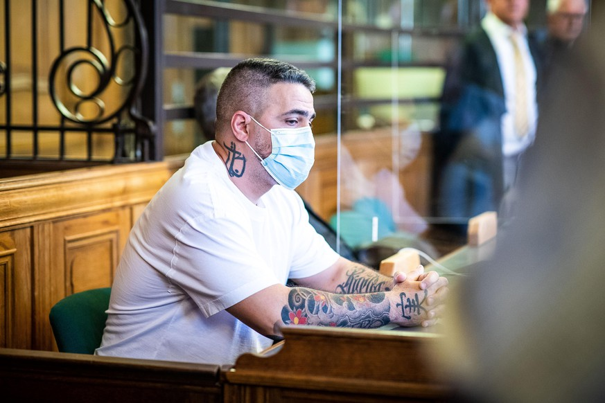 BERLIN, GERMANY - AUGUST 17: Rapper Bushido attends court during the Arafat Abou-Chaker trial on August 17, 2020 in Berlin, Germany. Abou-Chaker, as well his three brothers Yasser, Nasser and Rommel, stand accused of violent intimidation and other acts against Bushido following the rapper's announcement to end his business relationship with Abou-Chaker. (Photo by Rainer Keuenhof - Pool/Getty Images)