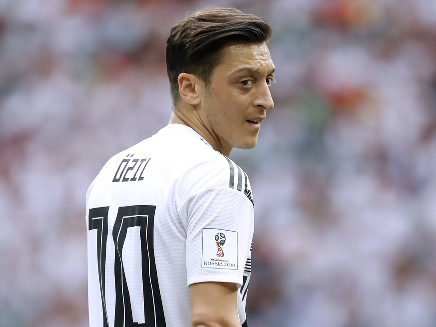 OEZIL Mesut Team Deutschland Spiel Gruppe F Deutschland - Mexico 0 : 1 im Luzhniki Stadion in Moskau am 17.Juni 2018 *** OEZIL Mesut Team Germany match Group F Germany Mexico 0 1 at Luzhniki Stadium in Moscow on 17 June 2018 PUBLICATIONxINxGERxSUIxAUTxHUNxSWExNORxDENxFINxLUXxONLY