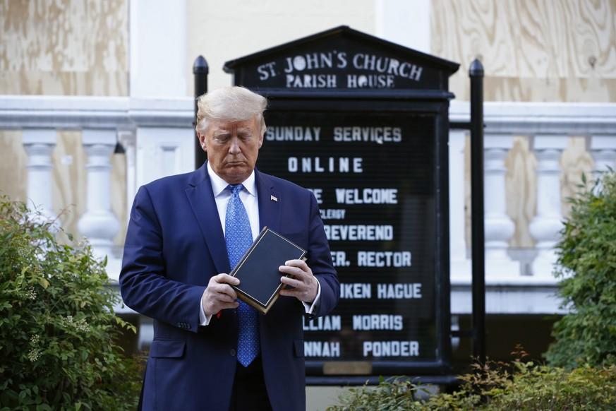 Donald Trump Bibel