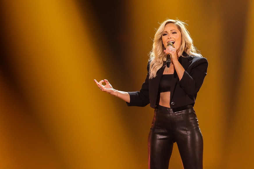 Schlagerbooom - Das internationale Schlagerfest am 02.11.2019 in der Westfalenhalle in Dortmund Helene Fischer gestikuliert Foto: osnapix Schlagerbooom 2019 - Das internationale Schlagerfest *** Schlagerbooom The international Schlagerfest on 02 11 2019 in the Westfalenhalle in Dortmund Helene Fischer gestures photo osnapix Schlagerbooom 2019 The international Schlagerfest MH