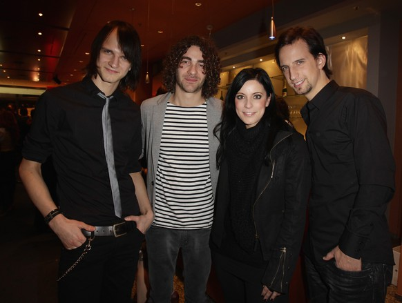 BERLIN, GERMANY - JANUARY 13:  The German band Silbermond with her lead singer Stefanie Kloss attend the 'Hinterm Horizont' musical premiere at Theater am Potsdamer Platz on January 13, 2011 in Berlin, Germany.  (Photo by Andreas Rentz/Getty Images)