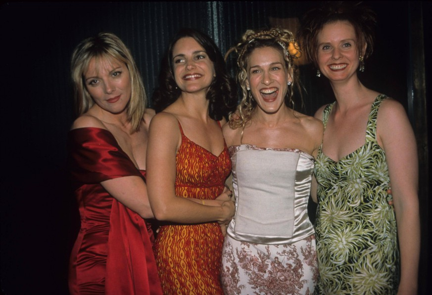 KIM CATTRALL with Kristin Davis , Sarah Jessica Parker and Cynthia Nixon.Sex in the city screening party at Lot 61 in New York 1998.k12529smo. PUBLICATIONxINxGERxSUIxAUTxONLY - ZUMAg49