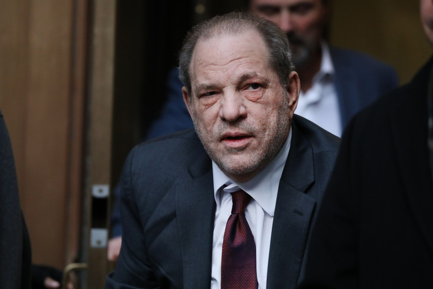 NEW YORK, NEW YORK - FEBRUARY 20: Harvey Weinstein exits a Manhattan court house as a jury continues with deliberations in his trial on February 20, 2020 in New York City. Weinstein, a movie producer whose alleged sexual misconduct helped spark the #MeToo movement, pleaded not-guilty on five counts of rape and sexual assault against two unnamed women and faces a possible life sentence in prison. (Photo by Spencer Platt/Getty Images)