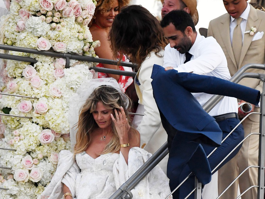 Heidi Klum and Tom Kaulitz are seen getting married on a yacht on august 03, 2109 in Capri, Italy  Pictured: Heidi Klum and Tom Kaulitz Ref: SPL5107401 030819 NON-EXCLUSIVE Picture by: SplashNews.com  Splash News and Pictures Los Angeles: 310-821-2666 New York: 212-619-2666 London: 0207 644 7656 Milan: +39 02 56567623 photodesk@splashnews.com  World Rights, No France Rights, No Italy Rights, No Switzerland Rights