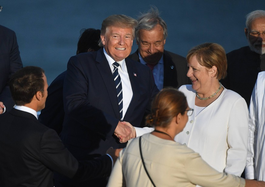 . 25/08/2019. Biarritz, France. Boris Johnson attends the G7- Day Two. Britain s Prime Minister Boris Johnson joins President Trump and his wife Melania along with president macron and his wife Brigitte at the G7 Summit in Biarritz, France. PUBLICATIONxINxGERxSUIxAUTxHUNxONLY xAndrewxParsonsx/xi-Imagesx IIM-20048-0222