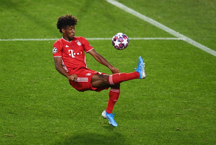 FOOTBALL : Bayern Munich vs Olympique Lyonnais - 1/2 - Phase finale - UEFA Ligue des Champions - Final 8 - Lisbonne - 19/08/2020 LISBON, PORTUGAL - AUGUST 19: Kingsley Coman of Bayern Munich kicks the ball during the UEFA Champions League Semi Final match between Olympique Lyonnais and Bayern Munich at Estadio Jose Alvalade on August 19, 2020 in Lisbon, Portugal. Lisbonne Portugal *** FOOTBALL Bayern Munich vs Olympique Lyonnais 1 2 Phase final UEFA Champions League Final 8 Lisbonne 19 08 2020 LISBON, PORTUGAL AUGUST 19 Kingsley Coman of Bayern Munich kicks the ball during the UEFA Champions League Semi Final match between Olympique Lyonnais and Bayern Munich at Estadio Jose Alvalade on August 19, 2020 in Lisbon, Portugal Lisbonne Portugal Poolfoto Panoramic / POOL / UEFA ,EDITORIAL USE ONLY