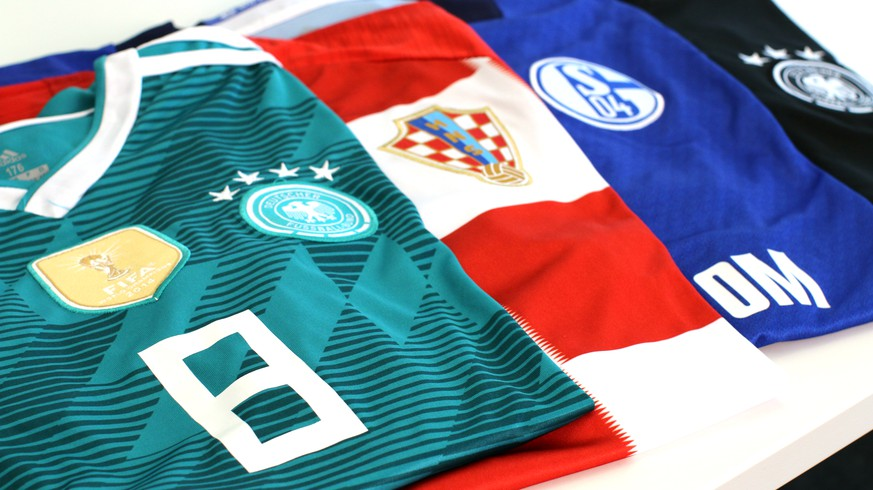 buy online 3a9ba 002ff Fußballtrikots für 20 Euro: Wie die Fake-Branche ...