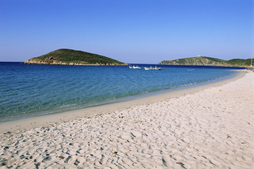 Chia beach, Costa del Sud, island of Sardinia, Italy, Mediterranean, Europe PUBLICATIONxINxGERxSUIxAUTxONLY Copyright: BrunoxMorandi 712-2097