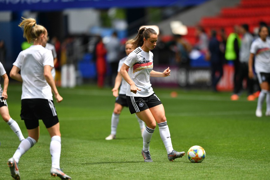 finest selection b5bbe cef99 Frauen WM 2019: Beule – was die deutschen Spielerinnen unter ...