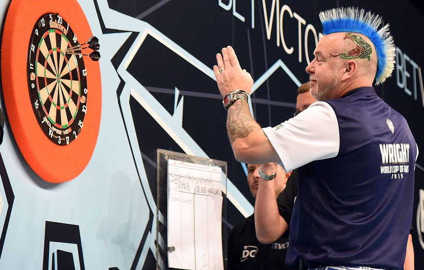09.06.2019, xhbx, Dart PDC World Cup Team WM, emspor, v.l. Peter Wright (Schottland) Hamburg *** 09 06 2019, xhbx, darts PDC World Cup Team WM, emspor, v l Peter Wright Scotland Hamburg