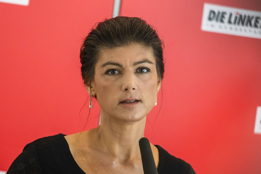 Sahra Wagenknecht (Die Linke) vor der Fraktionssitzung im Bundestag in Berlin am 25. Juni 2019. Die Linke - Fraktionssitzung im Bundestag *** Sahra Wagenknecht The Left before the parliamentary group meeting in the Bundestag in Berlin on 25 June 2019 The Left parliamentary group meeting in the Bundestag