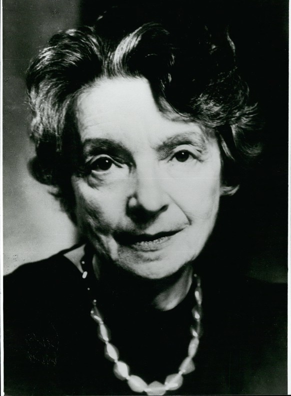 May 05, 1980 - 10th day of death of Nelly Sachs : At may 12th 1970 died in Stockholm/ Sweden the lyric and play writer Nelly Sachs (Nelly Sacha, picture). Since her emigration i 1940 the artist lives in Sweden. She was born at December 10th 1891 in Berlin and described in her works the fate of the Jewish nation. In the tradition of her fathers she wrote a poetical work rich of metaphoric expressions in a free styled rhythm. Besides a lot of literalistic honours show was awarded in the year 1965 with the Friendships Des deutschnen Busch handles as well as in the year 1966 together with her great contemporary, J. Agnon. with the Nobel - prize of literature. Her most welknonw works are. In den Wohnungen Des todes (1947) and Flucht und ven Wand lung) (1959) PUBLICATIONxINxGERxONLY - ZUMAk09May 05 1980 10th Day of Death of Nelly Sachs AT May 12th 1970 died in Stockholm Sweden The Lyric and Play Writer Nelly Sachs Nelly Sacha Picture Since her Emigration I 1940 The Artist Lives in Sweden She what Born AT December 10th 1891 in Berlin and described in her Works The Fate of The Jewish Nation in The Tradition of her Fathers She wrote a Poetical Work Rich of metaphoric expressions in a Free styled Rhythm besides a Lot of  Honors Show what awarded in The Year 1965 With The friendships the  Busch handles As Well As in The Year 1966 Together With her Great Contemporary J  With The Nobel Prize of Literature her Most  Works are in the Dwellings the Death 1947 and Escape and VEN Wall Lung 1959 PUBLICATIONxINxGERxONLY ZUMAk09