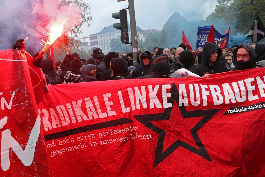BERLIN, GERMANY - MAY 01:  Leftist demonstrators march during the
