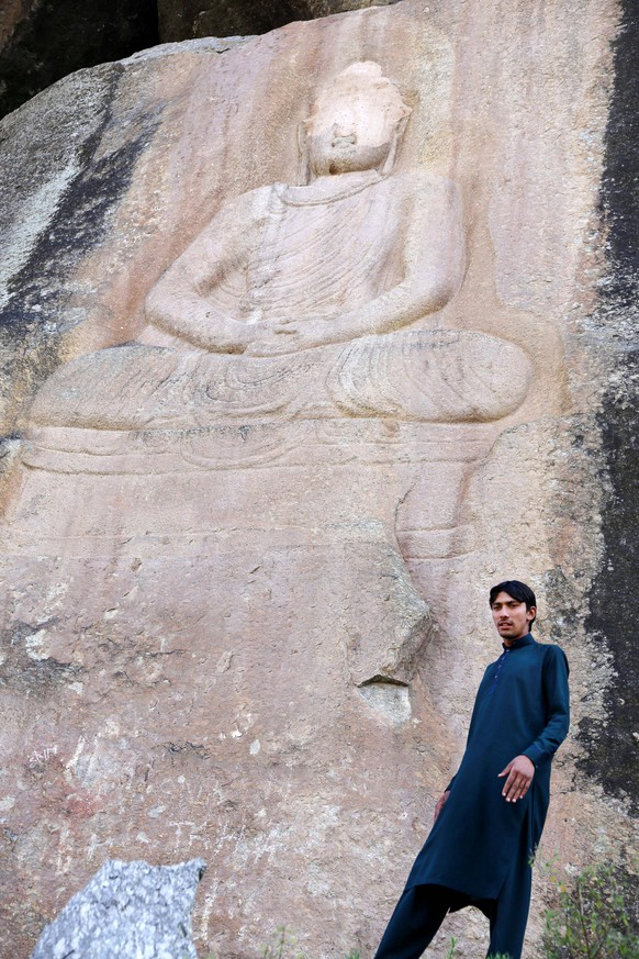 Buddha carving partially destroyed by militants restored in Pakistan The face of a 6-meter-tall Buddha rock sculpture, disfigured after being vandalized by militants in 2007, is seen in this photo taken in November 2015 in northwestern Pakistan s Swat district. The Jahanabad Buddha has since been repaired as part of a project financed through a Pakistani-Italian debt swap agreement. PUBLICATIONxINxGERxSUIxAUTxHUNxONLY