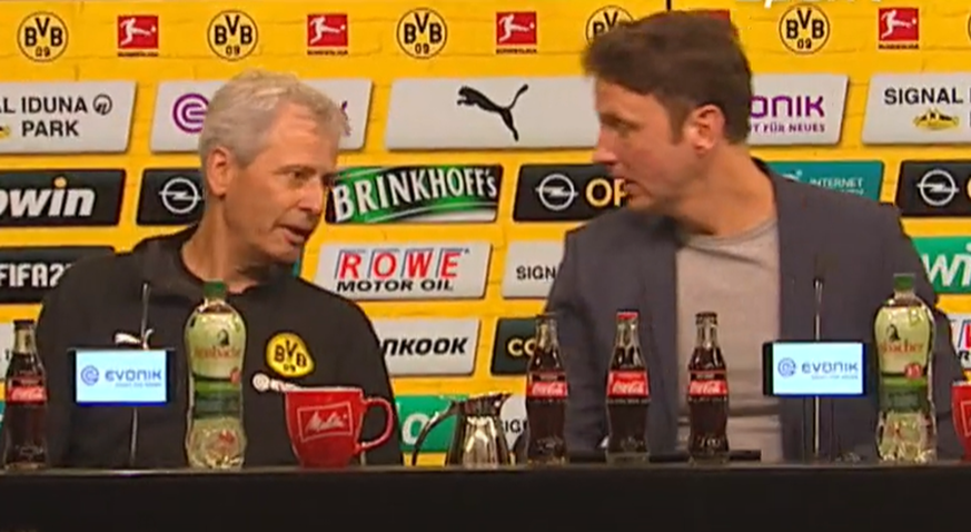 Bei Pressekonferenz nach BVB-Sieg merkt Favre nicht, dass das Mikro bereits an ist