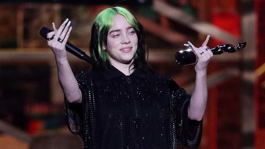 Fans feiern Billie Eilish für Anti-Bodyshaming-Video