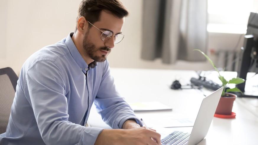 Urlaubsanspruch, Kündigung, Überstunden: Anwältin erklärt, was Kurzarbeit für dich bedeutet