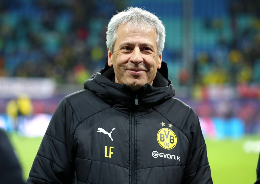 Samstag 19.01.2019, Saison 2018/2019, 1. Bundesliga, 18. Spieltag in der Leipziger Red-Bull-Arena, RB Leipzig - BVB 09 Borussia Dortmund, Lucien Favre (BVB, Trainer) DFL REGULATIONS PROHIBIT ANY USE OF PHOTOGRAPHS AS IMAGE SEQUENCES AND/OR QUASI-VIDEO. *** Saturday 19 01 2019 Season 2018 2019 1 Bundesliga 18 Matchday at the Leipzig Red Bull Arena RB Leipzig BVB 09 Borussia Dortmund Lucien Favre BVB Trainer DFL REGULATIONS PROHIBIT ANY USE OF PHOTOGRAPHS AS IMAGE SEQUENCES AND OR QUASI VIDEO