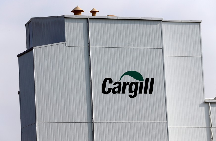FILE PHOTO: A Cargill logo is pictured on the Provimi Kliba and Protector animal nutrition factory in Lucens, Switzerland, September 22, 2016. REUTERS/Denis Balibouse/File Photo