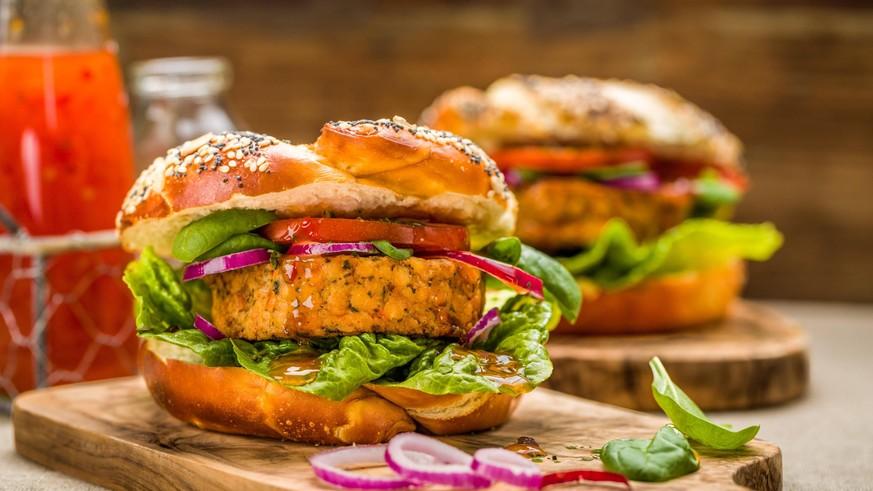 Kein Gemüse im Veggie-Burger? Diese Zutaten verstecken sich in Fleisch-Alternativen