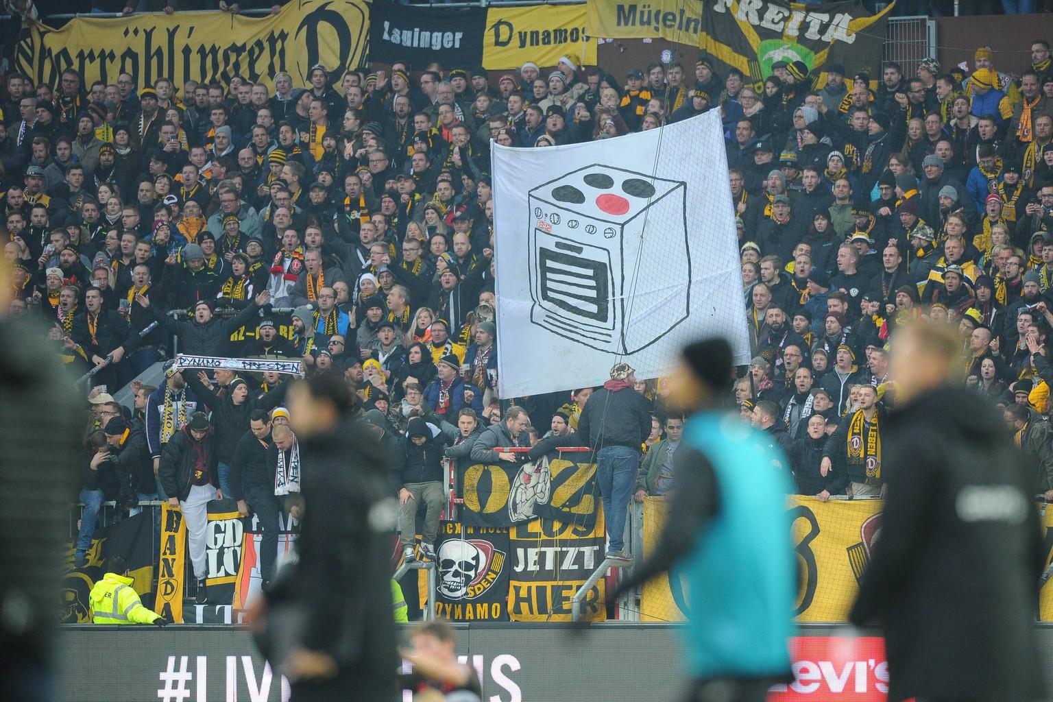Dynamo Dresden Banner Beleidigt Frauen Geniale Konter Idee