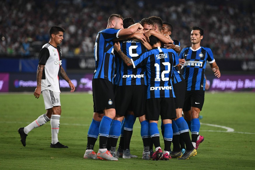 Players of Inter Milan celebrate after scoring against Juventus F.C. during the 2019 International Champions Cup football tournament in Nanjing city, east China s Jiangsu province, 24 July 2019. Juventus beat arch rivals Inter Milan through a thrilling penalty shootout to go 5-4 on aggregate in the International Champions Cup here on Wednesday after they played out a 1-1 draw in regular time. Juventus beat Inter Milan in International Champions Cup PUBLICATIONxINxGERxAUTxSUIxONLY 716559927012491270