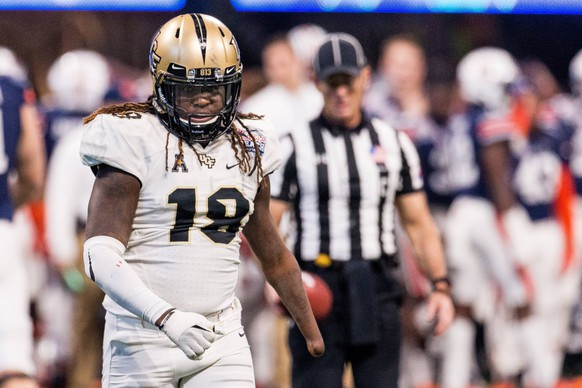 January 1, 2018: UCF Knights linebacker Shaquem Griffin (18) after a sack in the third quarter of the 50th Chick-fil-a Peach Bowl between Auburn and UCF at Mercedes-Benz Stadium in Atlanta, GA. ( /Cal Media) NCAA College League USA Football: Chick-fil-a Peach Bowl Auburn at UCF JAN 01 PUBLICATIONxINxGERxSUIxAUTxONLY - ZUMAc04_ 20180101_zaf_c04_183 Copyright: xScottxKinserx