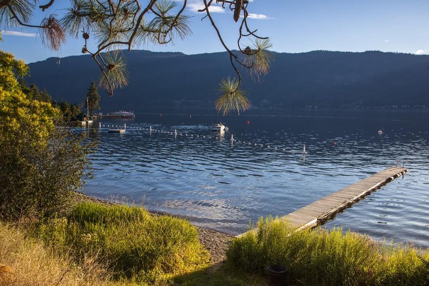 British Columbia/Okanagan Valley: Seesteg am Okanagan See, Kanada Westen | Verwendung weltweit