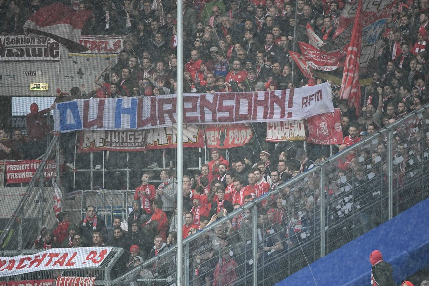 29.02.2020, xmeix, 1.Fussball Bundesliga,TSG 1899 Hoffenheim - FC Bayern Muenchen, emspor, v.l. Wieder ein Anti Hopp Transparent im Bayern Fanblock DFL/DFB REGULATIONS PROHIBIT ANY USE OF PHOTOGRAPHS as IMAGE SEQUENCES and/or QUASI-VIDEO Sinsheim *** 29 02 2020, xmeix, 1 Soccer Bundesliga,TSG 1899 Hoffenheim FC Bayern Muenchen, emspor, f l Another Anti Hopp banner in the Bayern Fanblock DFL DFB REGULATIONS PROHIBIT ANY USE OF PHOTOGRAPHS as IMAGE SEQUENCES and or QUASI VIDEO Sinsheim prio:1