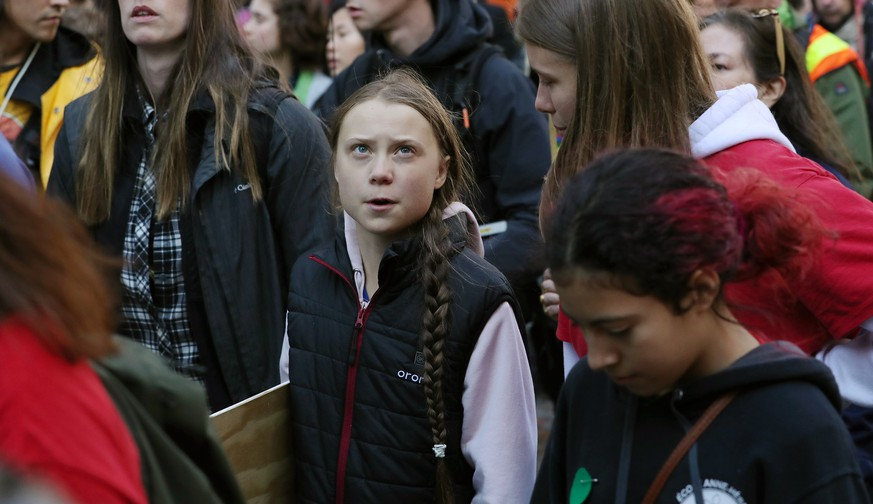 Swedish teen activist Greta Thunberg arrives for the post federal election Friday climate strike march starting and ending at the Vancouver Art Gallery in Vancouver, British Columbia on Friday, October 25, 2019. Organized by local youth-led, Sustainabiliteens, Greta and a turn out of nearly 10,000 climate activists demand action from industry and the various levels of government and are supporting the 15-youth who announced their plans to sue the federal government alleging it has contributed to climate change. PUBLICATIONxINxGERxSUIxAUTxHUNxONLY VAP2019102521 HEINZxRUCKEMANN