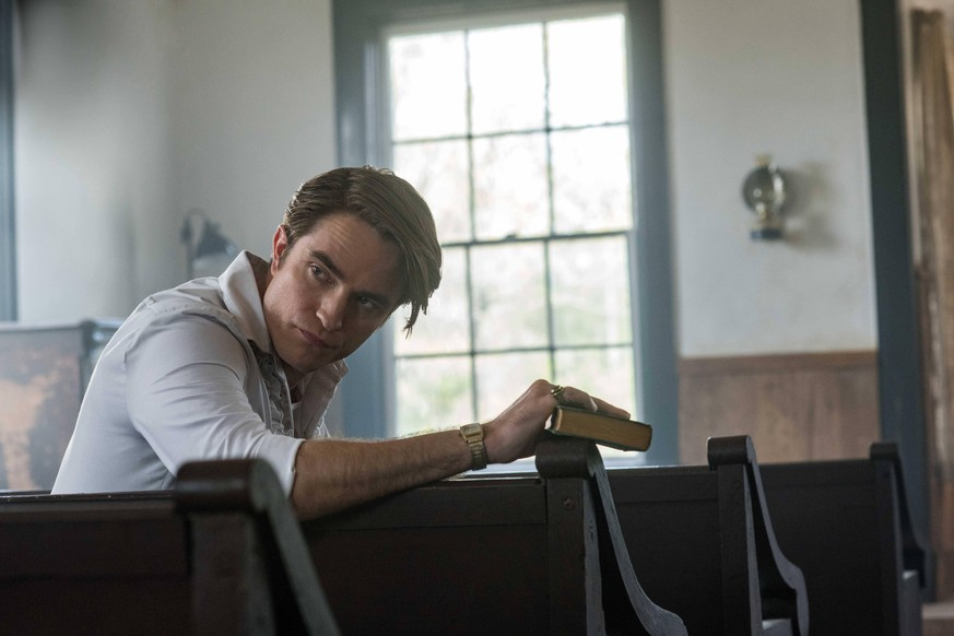 RELEASE DATE: September 16, 2020 TITLE: The Devil All The Time STUDIO: Netflix DIRECTOR: Antonio Campos PLOT: In the 1960 s after World War II in Southern Ohio, bizarre, compelling and mentally disturbed people suffer from the war s psychological damages. STARRING: ROBERT PATTINSON USA PUBLICATIONxINxGERxSUIxAUTxONLY - ZUMA 20190329_mda_l90_029 Copyright: xGlenxWilson/Netflixx