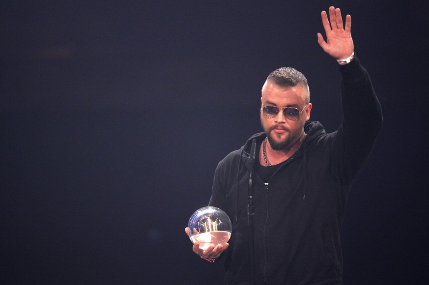 Donnerstag 04.12.2014, die 15. Einslive Krone Verleihung 2014 in Bochum, KOLLEGAH mit der Eins Live Krone DeFodi02001003740