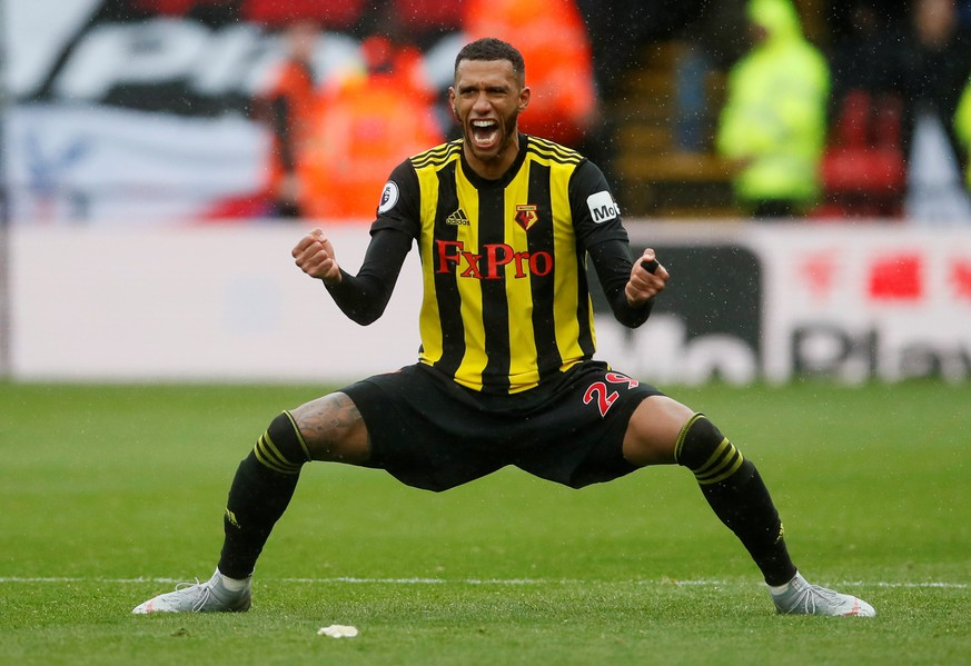 Soccer Football - Premier League - Watford v Crystal Palace - Vicarage Road, Watford, Britain - August 26, 2018  Watford's Etienne Capoue celebrates at the end of the match   REUTERS/David Klein  EDITORIAL USE ONLY. No use with unauthorized audio, video, data, fixture lists, club/league logos or