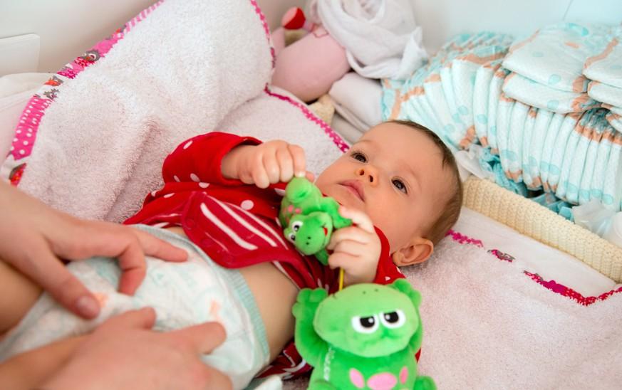 Baby Lässt Sich Nicht Wickeln