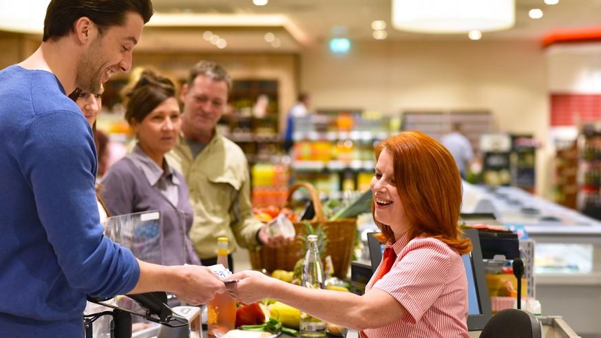 Rewe, Lidl, Edeka: So wollen Supermärkte ihren Mitarbeitern in der Corona-Krise danken