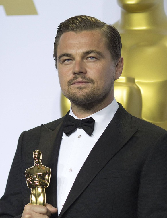 October 11, 2017 - Hollywood, California, United States of America - Leonardo DiCaprio joined others in denouncing the actions of Harvey Weinstein, who stands accused of numerous incidents of sexual harassment. FILE PHOTO: Leonardo DiCaprio holds his award for Best Actor in The Revenant in the press room of the 88th Academy Awards at the Dolby Theatre in Hollywood, California on Sunday February 28, 2016. PRENSA INTERNACIONAL Hollywood United States of America PUBLICATIONxINxGERxSUIxAUTxONLY - ZUMAp124 20171011_zaa_p124_029 Copyright: xPrensaxInternacionalx