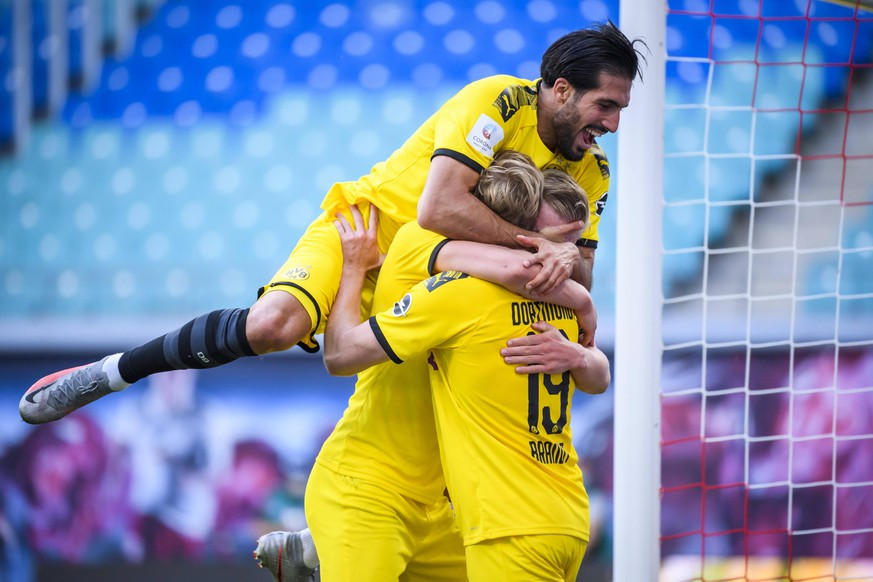 Fussball 1.Bundesliga, RB Leipzig - Borussia Dortmund 20.06.2020, xkvx, Fussball 1.Bundesliga, RB Leipzig - Borussia Dortmund emspor, v.l. Torjubel, Goal celebration, celebrate the goal zum 0:2 durch Erling Haland Haaland BVB Borussia Dortmund Foto: Kevin Voigt/Jan Huebner/Pool DFL/DFB REGULATIONS PROHIBIT ANY USE OF PHOTOGRAPHS as IMAGE SEQUENCES and/or QUASI-VIDEO Editorial use only. National and International News Agencies OUT Leipzig Red Bull Arena Sachsen Deutschland DE *** Football 1 Bundesliga, RB Leipzig Borussia Dortmund 20 06 2020, xkvx, Football 1 Bundesliga, RB Leipzig Borussia Dortmund emspor, v l Goal celebration, celebrate the goal zum 0 2 by Erling Haland Haaland BVB Borussia Dortmund Photo Kevin Voigt Jan Huebner Pool DFL DFB REGULATIONS PROHIBIT ANY USE OF PHOTOGRAPHS as IMAGE SEQUENCES and or QUASI VIDEO Editorial use only National and International News Agencies OUT Leipzig Red Bull Arena Sachsen Germany DE Poolfoto Kevin Voigt/Jan Huebner/Pool ,EDITORIAL USE ONLY