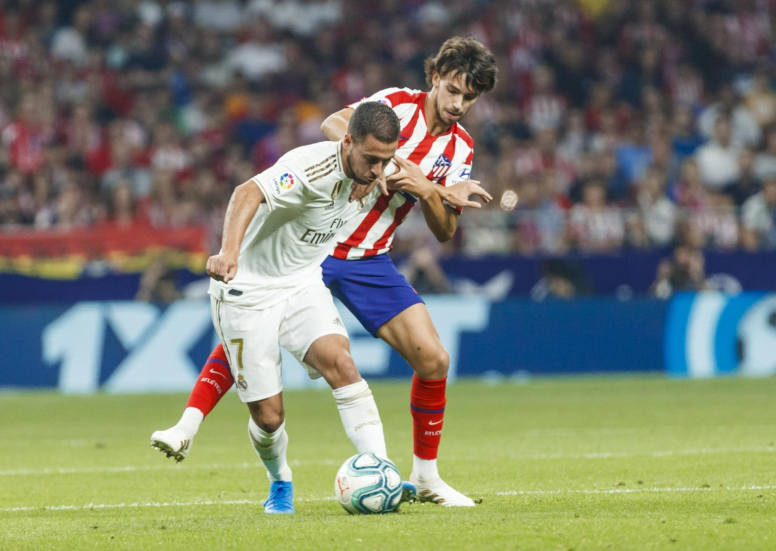 Partido de LaLiga Santander disputado entre Atletico y Real Madrid. En la imagen, Joao Felix lucha con Hazard. LaLiga Santander match played between Atletico and Real Madrid. In this picture, Joao Felix battles with Hazard. PUBLICATIONxINxGERxSUIxAUTxHUNxONLY