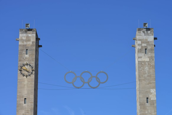 Olympisches Tor, Olympiastadion, Charlottenburg, Berlin, Deutschland Olympisches Tor Berlin DeutschlandOlympic goal Olympic Stadium Charlottenburg Berlin Germany Olympic goal Berlin Germany