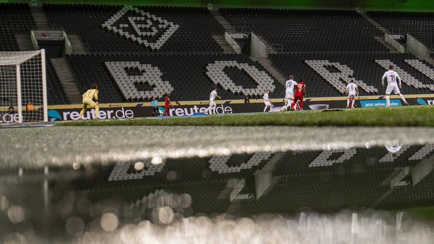 Bericht: DFL plant Geisterspiele – mit nur 239 Personen im Stadion