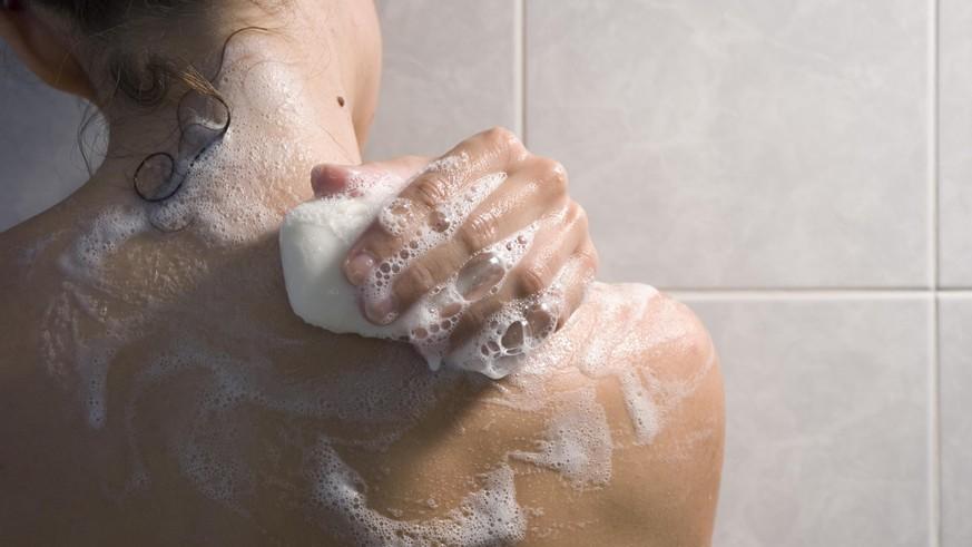 Feste Duschpflege im Test: So duschst du ganz ohne Plastik