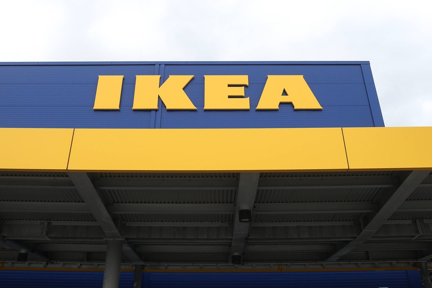 Logo IKEA - IKEA eroeffnet heute sein insgesamt 53. deutsches Einrichtungshaus in Magdeburg (Sachsen Anhalt - Fotografiert am 31.08.2017 *** Logo IKEA IKEA opens today a total of 53 German furniture store in Magdeburg Saxony Anhalt Photographed on 31 08 2017