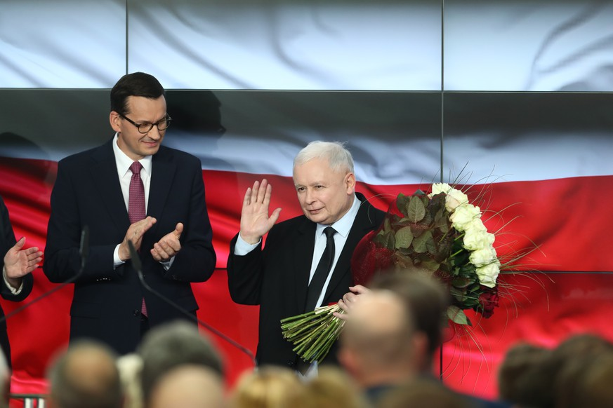 Parliamentary Election in Poland. Election Evening of Law and Justice Parliamentary Election in Poland. Election Evening of Law and Justice on October 13, 2019 in Warsaw, Poland. Pictured: Mateusz Morawiecki, Jaroslaw Kaczynski EN013980120059 PUBLICATIONxINxGERxSUIxAUTxONLY