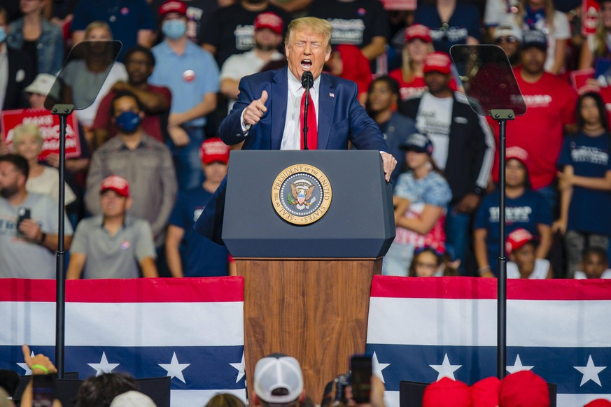 President Donald Trump speaks at a campaign rally at the Bank of Oklahoma Center in Tulsa, Oklahoma on Saturday, June 20, 2020. President Donald Trump s campaign rally in Tulsa comes as coronavirus cases are on the rise in many states across the country. PUBLICATIONxINxGERxSUIxAUTxHUNxONLY OKH20200620186 KYLExRIVAS