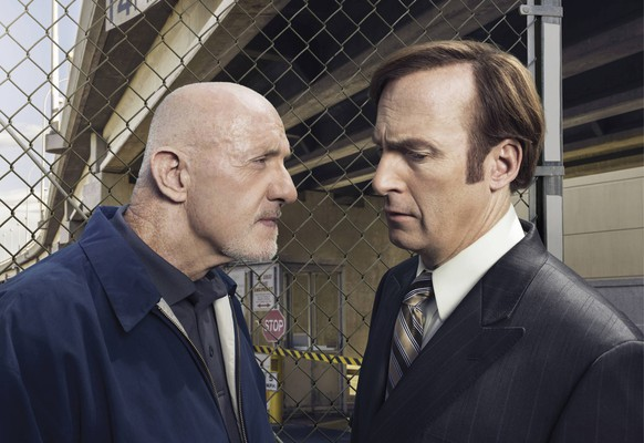 Jonathan Banks as Mike Ehrmantraut and Bob Odenkirk as Saul Goodman - BETTER CALL SAUL - Season 1, Gallery - Photo Credit: Ben Leuner/AMC Los Angeles CA PUBLICATIONxINxGERxSUIxAUTxONLY Copyright: xBenxLeuner/AMCx 32578_066THAJonathan Banks As Mike Ehrmantraut and Bob Odenkirk As Saul Goodman better Call Saul Season 1 Gallery Photo Credit Ben  AMC Los Angeles Approx PUBLICATIONxINxGERxSUIxAUTxONLY Copyright xBenxLeuner AMCx 32578_066THA