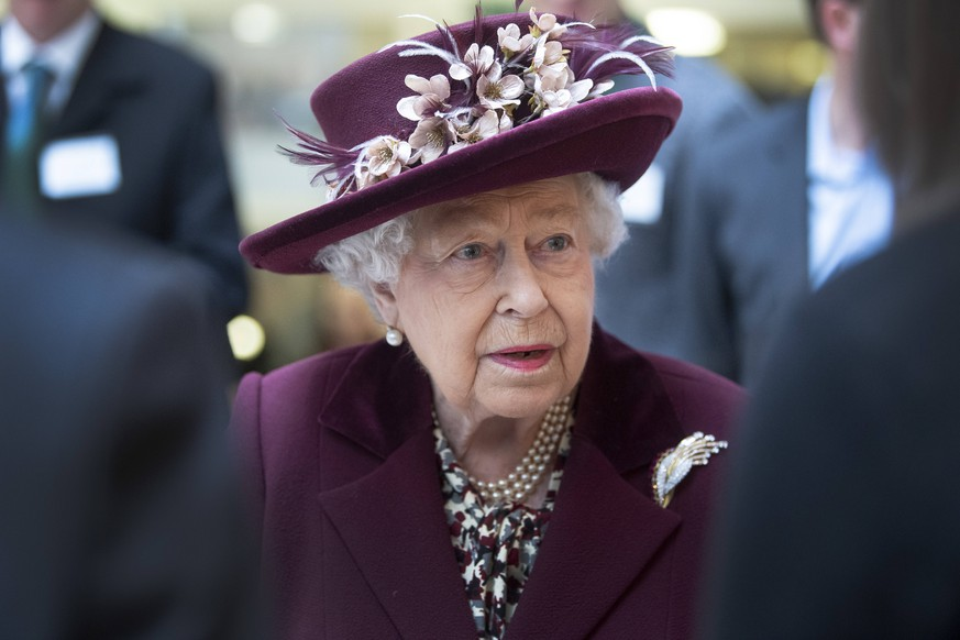 . 25/02/2020. London, United Kingdom. Queen Elizabeth II during a visit at the headquarters of MI5, the UKs domestic counter-intelligence and security agency in London. PUBLICATIONxINxGERxSUIxAUTxHUNxONLY xPoolx/xi-Imagesx IIM-20828-0023