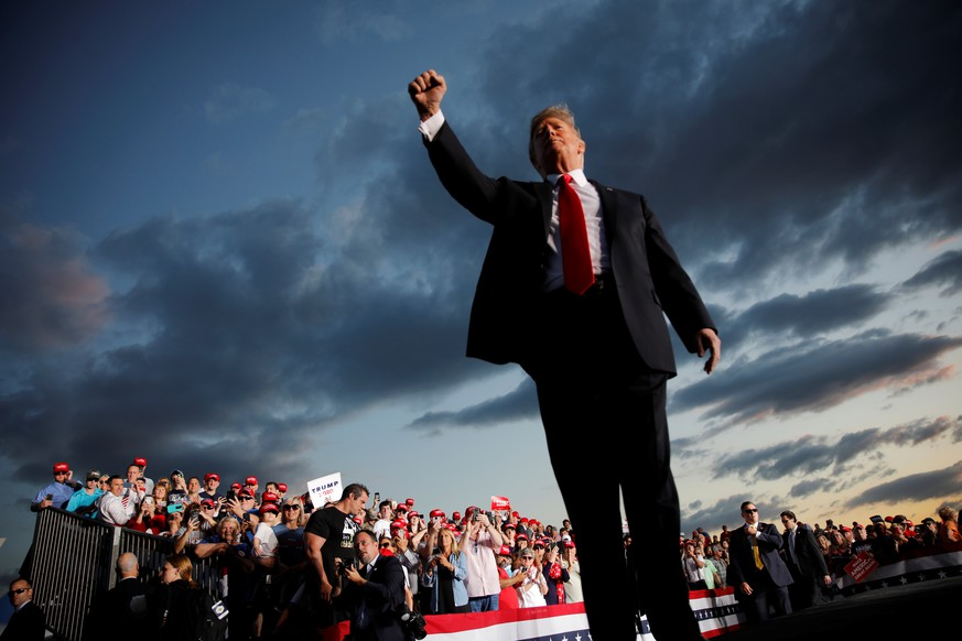 U.S. President Donald Trump reacts as he addresses a Trump 2020 re-election campaign rally in Montoursville, Pennsylvania, U.S. May 20, 2019.    REUTERS/Carlos Barria