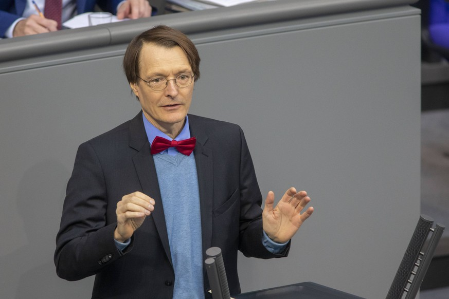 Deutschland, Berlin, Bundestag,95. Sitzung, Bundestag berät über vorgeburtliche genetische Bluttests, Karl Lauterbach SPD, 11.04.2019 *** Germany Berlin Bundestag 95 Session Bundestag discusses prenatal genetic blood tests Karl Lauterbach SPD 11 04 2019