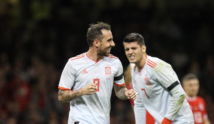 Spanier Lachen Nach Toren Von Paco Alcacer über Fc Barcelona Watson