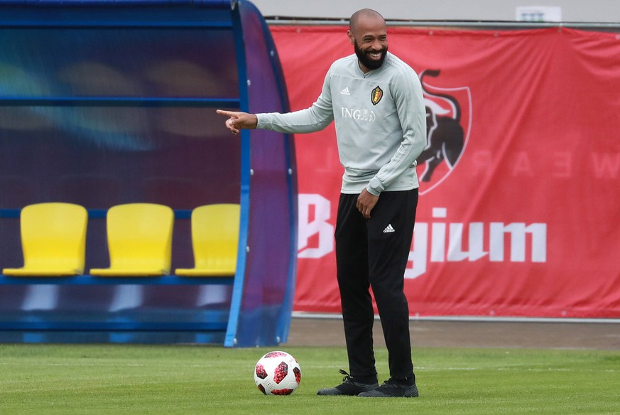 MOSCOW REGION, RUSSIA - JULY 9, 2018: Assistant manager Thierry Henry of the Belgian men s national football team during a training session at the Guchkovo sports complex ahead of the upcoming 2018 FIFA World Cup WM Weltmeisterschaft Fussball Semifinal match against France which is to take place at St Petersburg Stadium on July 10, 2018. Sergei Fadeichev/TASS PUBLICATIONxINxGERxAUTxONLY TS088B6D